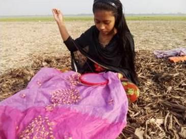 বাল্য বিয়েকে 'না' বলে স্বপ্ন পূরণের দিকে ছুটছেন মোর্শেদা