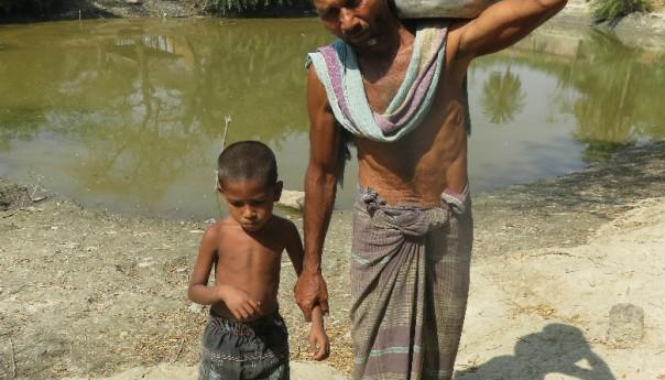 সুপেয় পানি চায় জয়াখালীর মানুষ