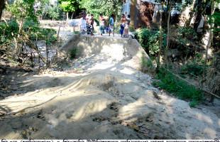 মানিকগঞ্জের সিংজুরি ইউনিয়নের রাস্তাগুলোর উন্নয়ন চান এলাকাবাসী