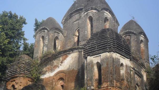 অযত্ন-অবহেলায় ৪ শ' বছরের শ্যামসুন্দর মঠ