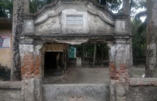 দেবহাটার টাউন শ্রীপুর পৌরসভার শেষ স্মৃতিচিহ্নটুকুও বিলীনের পথে