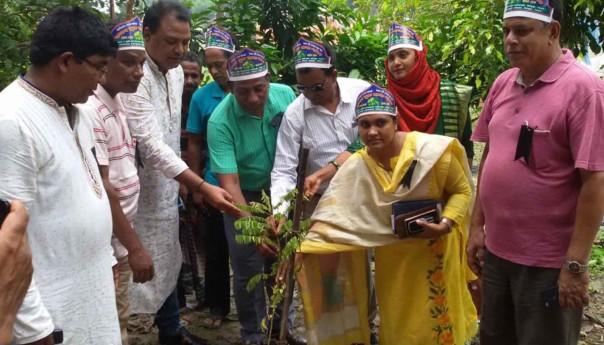 ভাঙ্গুড়ায় ফলদ বৃক্ষ মেলা অনুষ্ঠিত