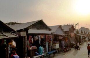 করোনা মহামারীতে বস্তিবাসীরা সংকটে নিমজ্জিত